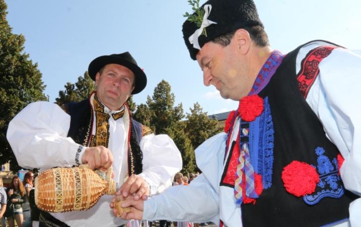 Burčák, víno a památky přilákaly návštěvníky z celé republiky