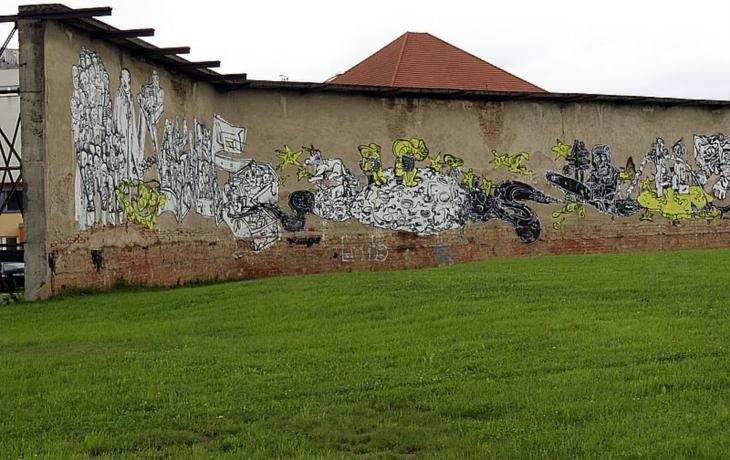 Střelecká stěna: Pieta, kavárna nebo dětské hřiště?