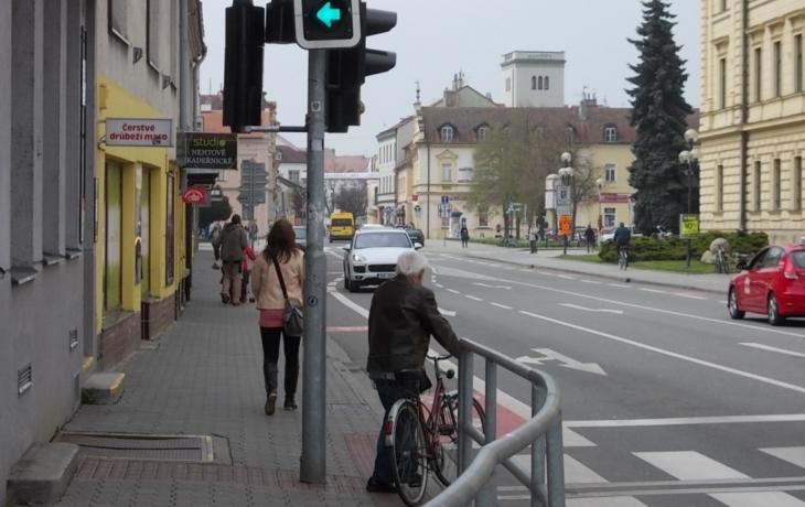 Cyklisté ohrožující chodce sáhnou hluboko do peněženek!