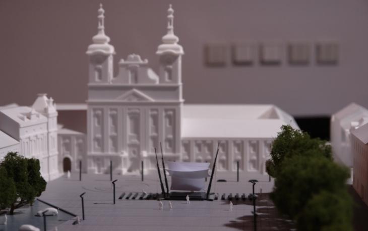 Nový model náměstí počítá s pódiem i kácením!