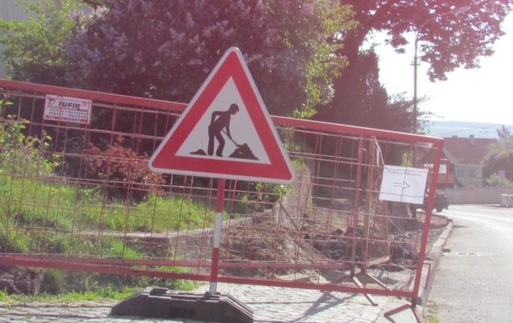 Hradčovice vylepšují centrum i Újezdy