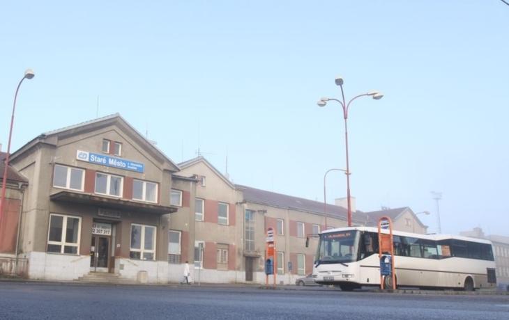 U nádraží se začne kopat, ale výpravní budova má smůlu