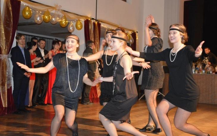 Folkloristé přešli na tango