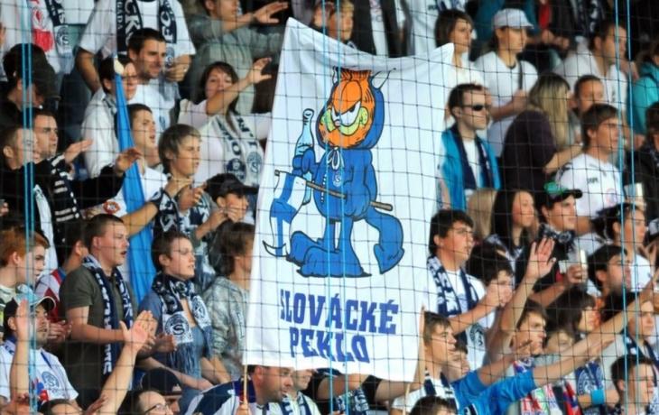Fans Slovácka nacvičí chorály