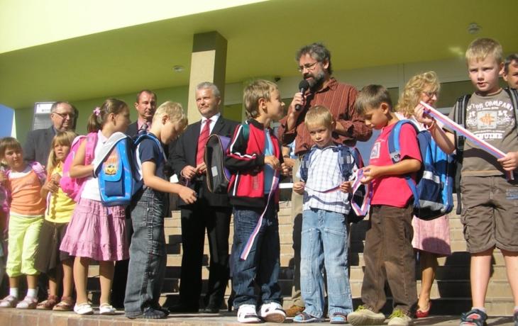 Prvňáčci si otevřeli lepší školu
