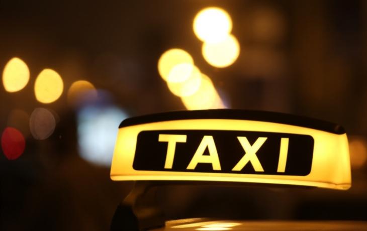 Špitálské taxi se ujalo, už jezdí o 2,5 hodiny déle