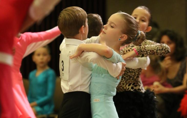 Taneční soutěž v rytmu standardu i latiny