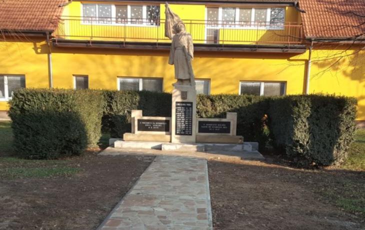 Obec obnovila válečné památníky