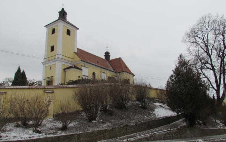 Hradčovice obnoví centrum i opěrné zdi