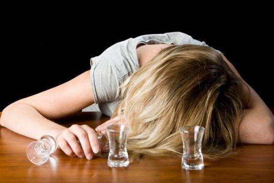 Pozor na silvestrovské popíjení!