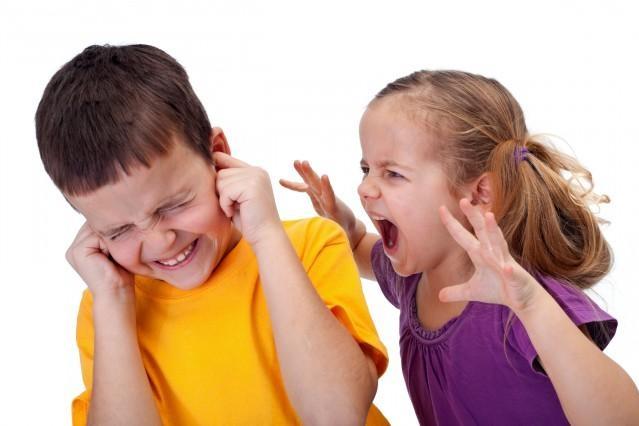 Za vzrůstající agresivitou dětí stojí rodiče a společnost