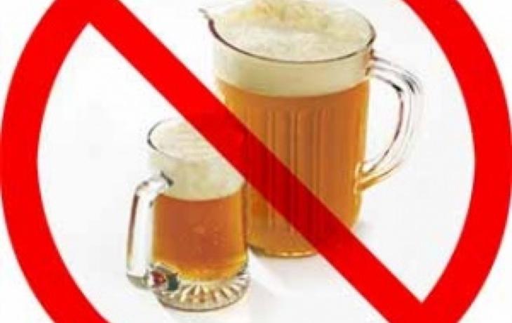 Ostroh zakázal pití v centru