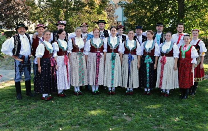 Zbrusu nové kroje ozdobily bojkovický festival