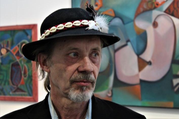 Zdeněk Kup každou výstavu zahajuje humorným happeningem