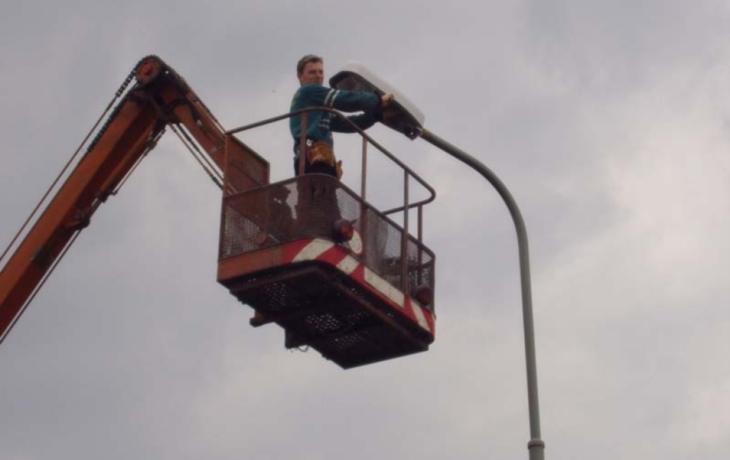 Cyklostezky nasvítí lampy
