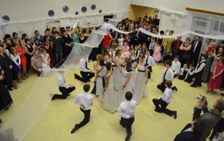 Žáci dokázali, že tančení jim cizí není