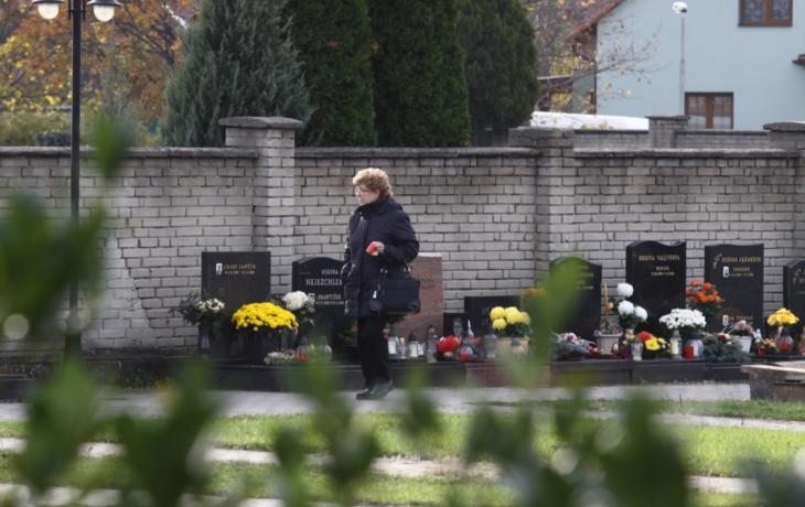 Kapacita nestačí, přibude 476 hrobů