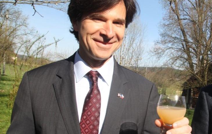 Schapiro slavil v Hostětíně se sklenkou biomoštu