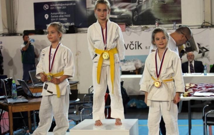 Broďané vezou čtyři medaile z Galanty, zlato pro Elišku Bartkovou