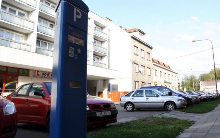 Radnice dluží parkovací místa