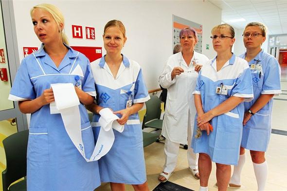 Peníze na navýšení platů zdravotních sester budou jen do konce roku! Co pak?