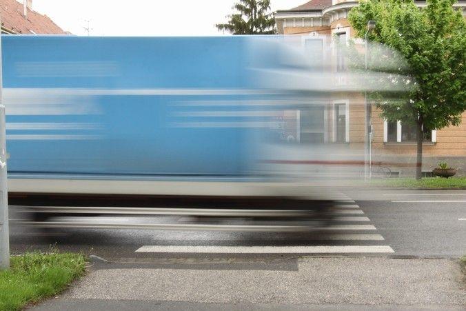 Kvůli parkování pro rodiče se v Čechově ulici posune i přechod