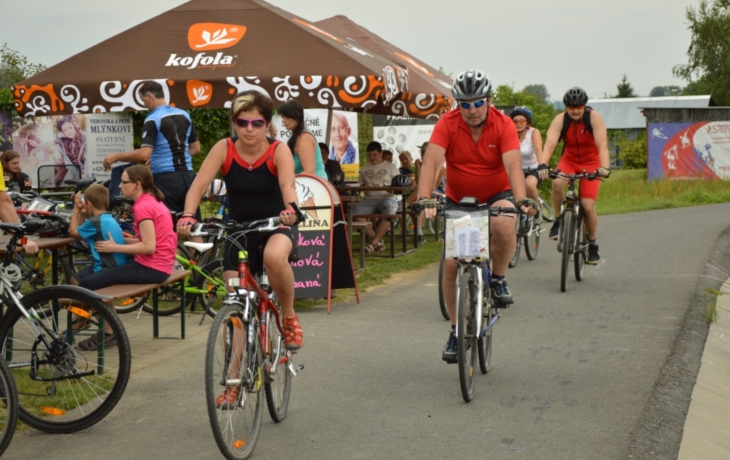 Lidé chtějí toleranci alkoholu na cyklostezkách