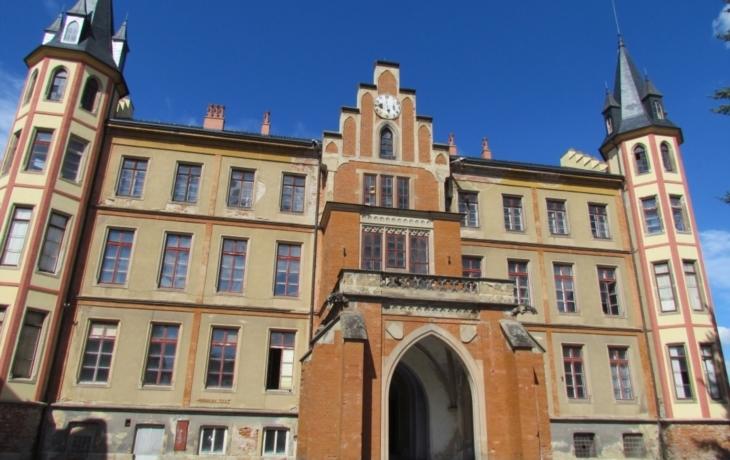 Bzenecká radnice se může stěhovat na zámek