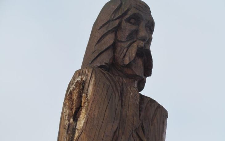 Poutníka, symbol Blatničky, připravila o ruce i starostka