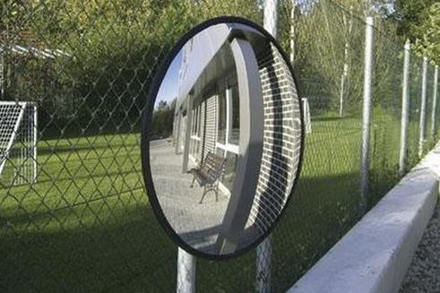 Řidiče už krotí ukazatel, ještě přibudou zrcadla