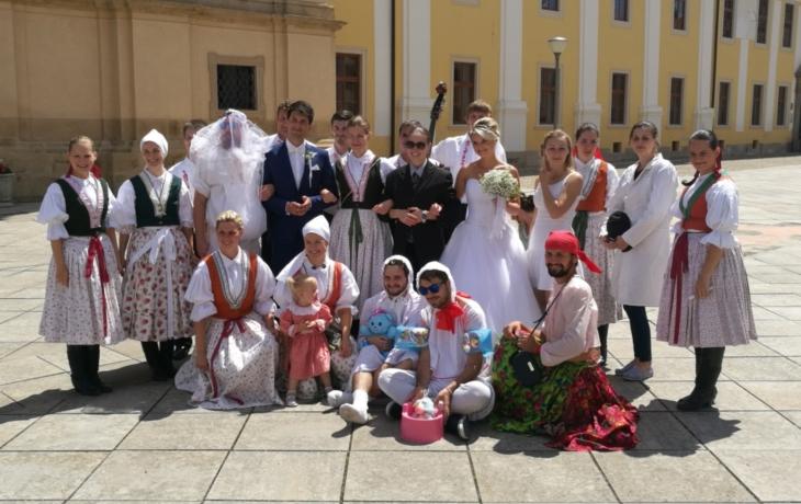 Další svatba u potomků rytíře Olivy