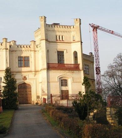 Majitel chce zámek opravit