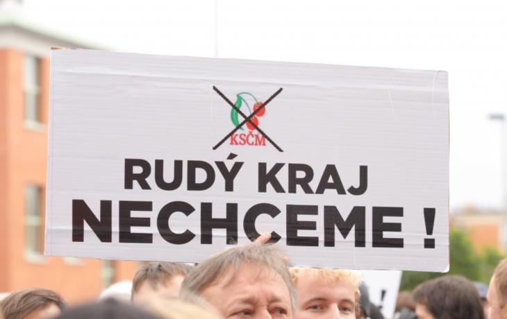 Podnikatelé mobilizovali proti KSČM ve vládě. Marně