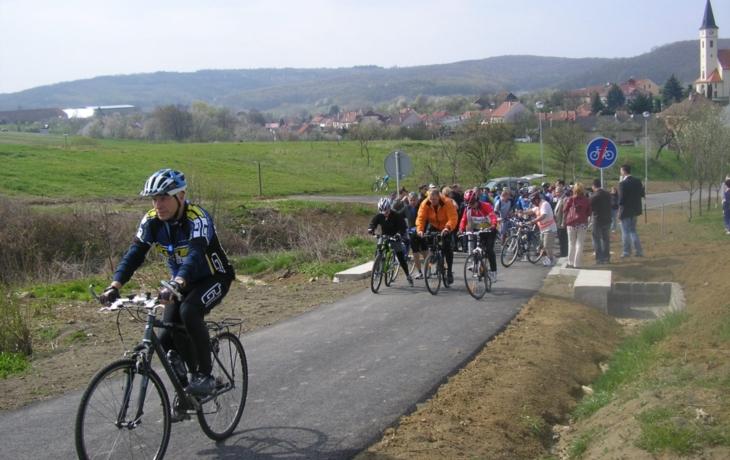 Otevřely se další kilometry cyklostezek