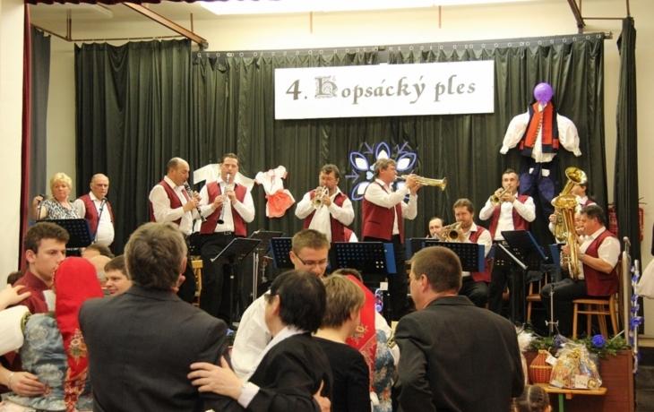 Horněmčané si užili Hopsácký ples