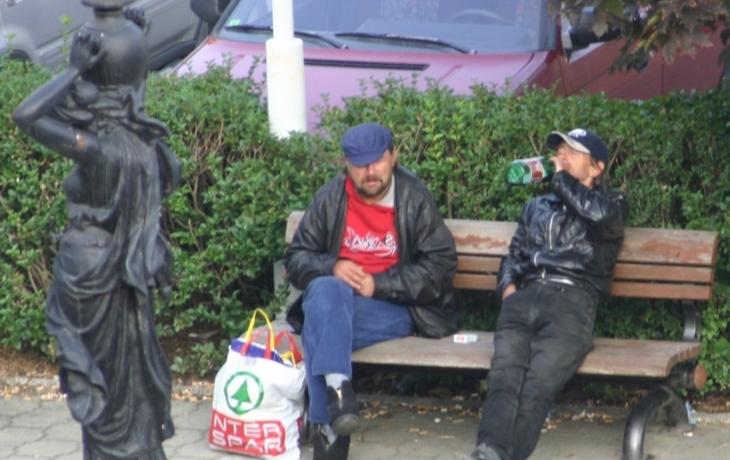 Bezdomovcům zakázali pití alkoholu!