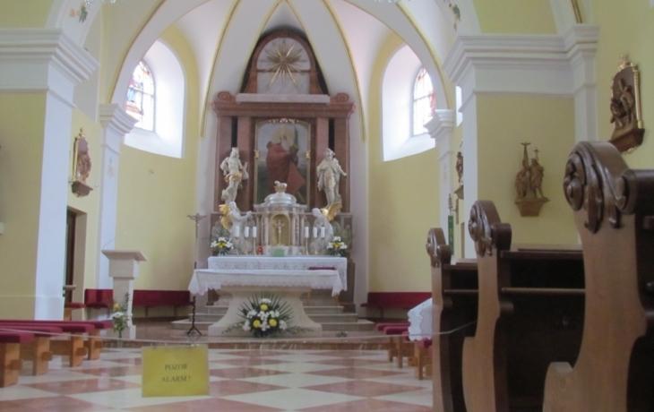 Kostel má automatické osvětlení