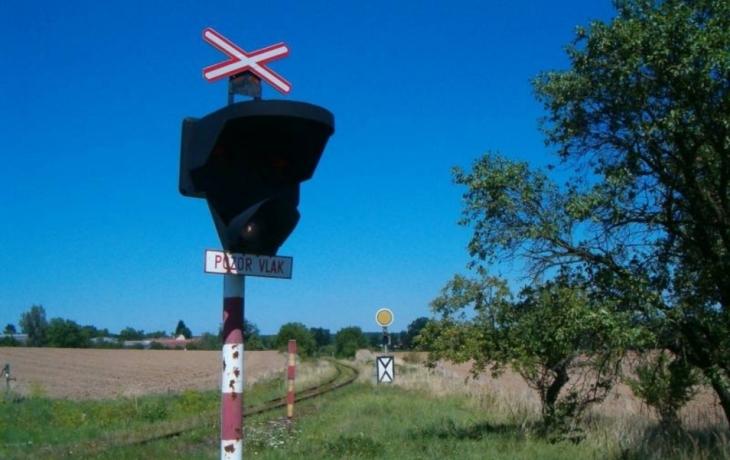 Semafory nebudou řídit dopravu u přejezdu