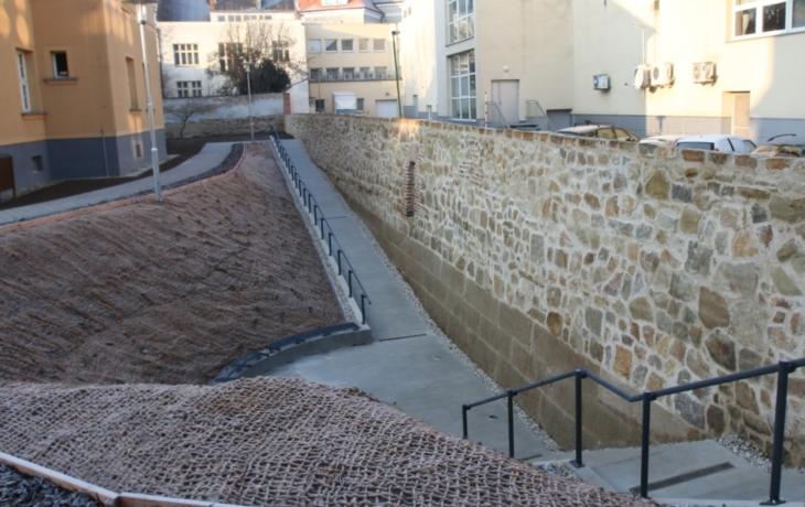 Hradby z Kollárovy ulice v Uherském Hradišti jsou Stavbou roku