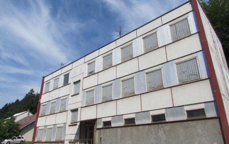 Ubytovna sklářů se změní v bytovku