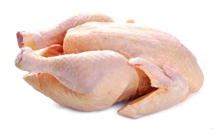 Další skandál s masem z Polska. Čtyři tuny drůbežího byly plné salmonely, maso distribuovala také firma z Podolí