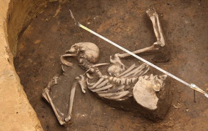 Kostra ležela v zásobní jámě. Byla Jana z Dorštotu zavražděna?