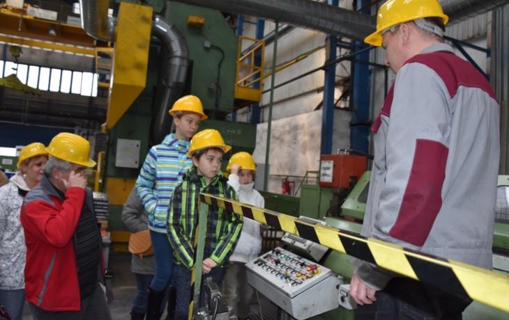 Předvedou veřejnosti výrobu tažených ocelových tyčí