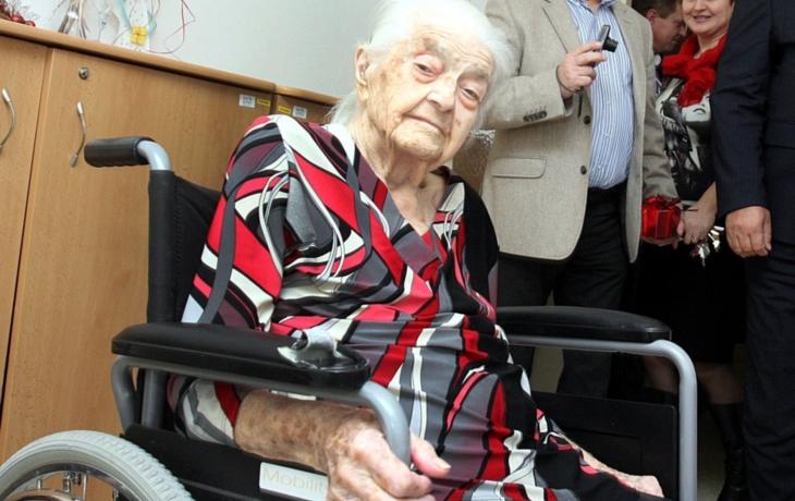 I přes nelehký život stařenka oslavila už 108. narozeniny