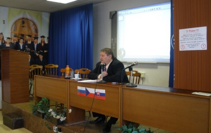 Studenty vítal ředitel