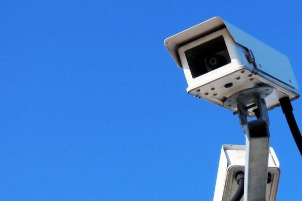 Na pořádek v ulicích dohlíží dvě kamery. Kde jsou, obec tají
