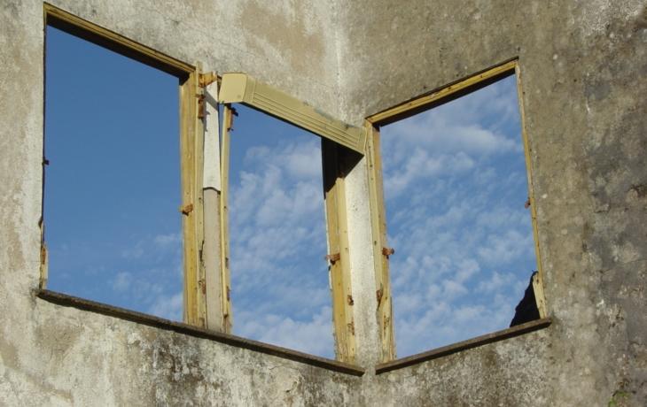 V Lipově zeje prázdnotou 85 domů