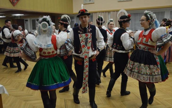 Besedu tančilo šest hostujících obcí