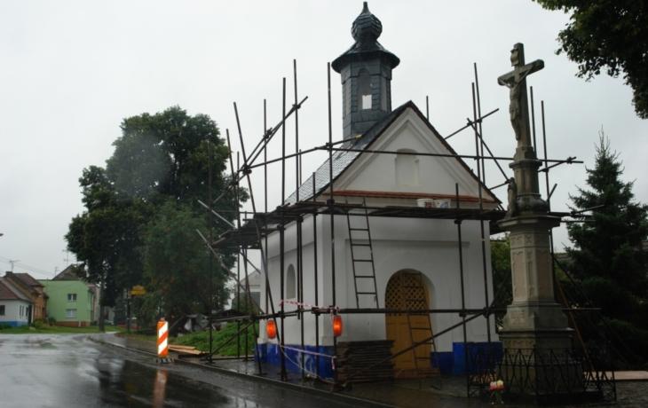 VDrslavicích opravují kapli