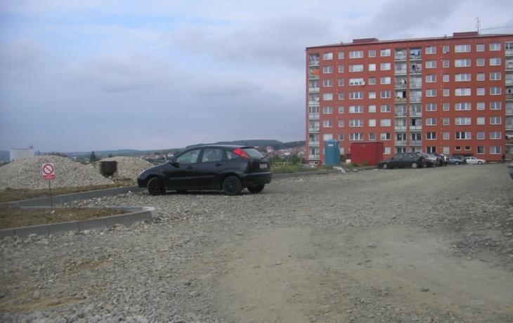 Místo parkoviště staveniště!